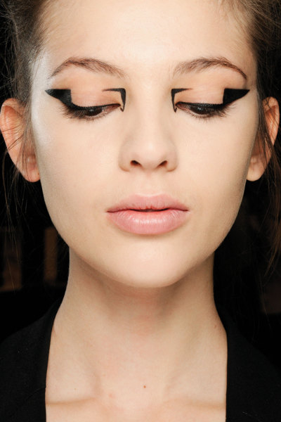 bleedgold:  Makeup at Mary Kantrantzou F/W 12
