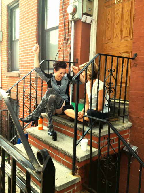 amandapalmer:  talking to art forum magazine on somebody's steps in red hook, Brooklyn.   doing press in new york allllll day today
