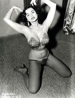 vintagegal:  Burlesque dancer Dorian Dennis photographed by Irving Klaw c. 1950's