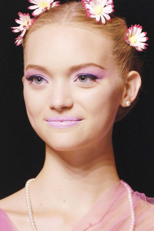 fashion-forpassion:  Gemma Ward at John Galliano Spring 2006