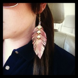 Fall is coming #fall #fashion #beatniq #jewelry #earrings #leather #feather #studs #boho #hippie #native (Taken with Instagram)