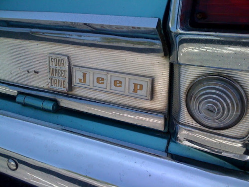 jeep-wagoneers:  (via Tamerlane's Thoughts: Carspotting (33): Jeep Wagoneer)