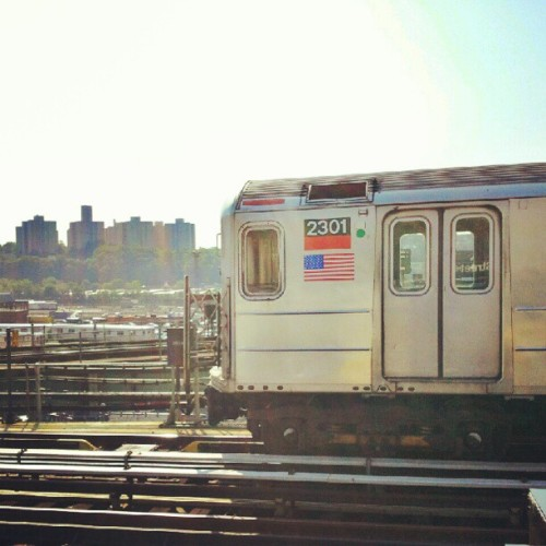 Train Going #washingtonheights #instagramuptown #inwood #MTA #uptown #newyorkcity #newyork #nyc #train  (Taken with Instagram)