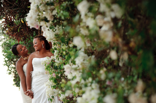 heyweddinglady:  These ladies outshine the rose garden