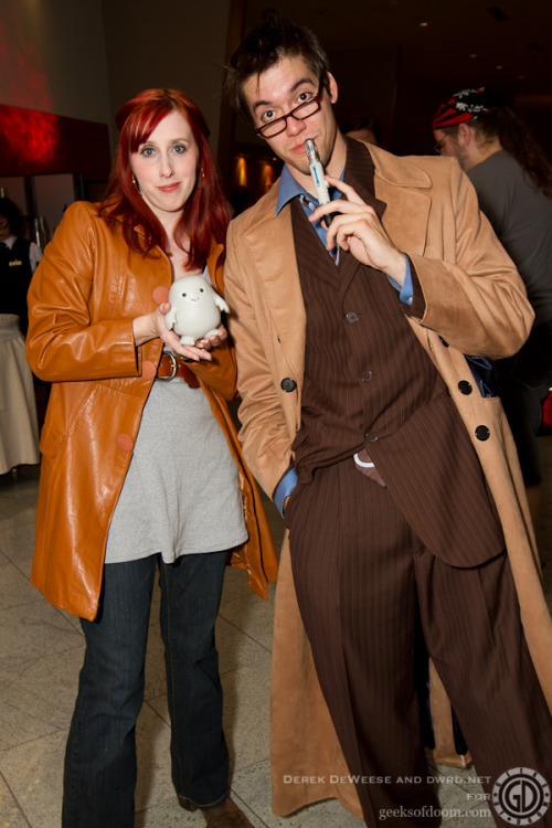 kelldar:  doctorwhocosplaywatch:  Thats one fabulous Donna cosplayer! That 10 isn't too shabby either  Hey it's me! Thanks! :D