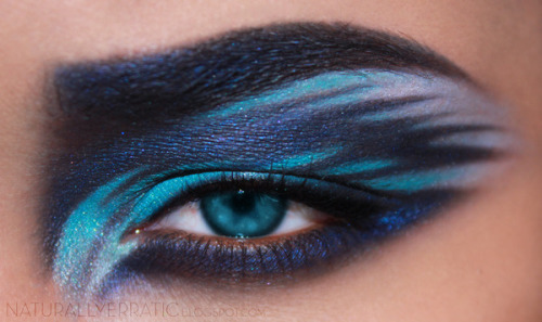 beautylish:  Bria J. creates a mesmerizing blue eye makeup look!