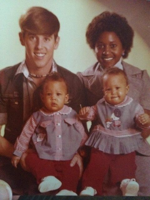 enrychyourlife:  escapedgoat:  aintshit:  Tia & Tamera Mowry as babies with their parents.  this is beautiful   i dont think alotta ppl know this , love it