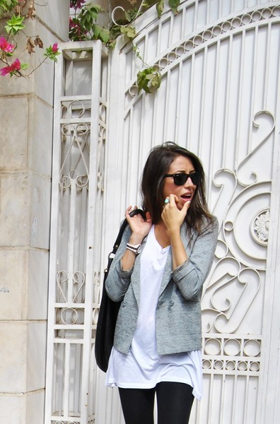 #PinterestFashionFind: Blazer + long white tee + leggings. My fashion inspiration for today. Source: pinterest.com/AnnikaBrit/
