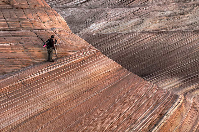 cillium:  Tom, photographing the wave by flyingdoginc on Flickr.
