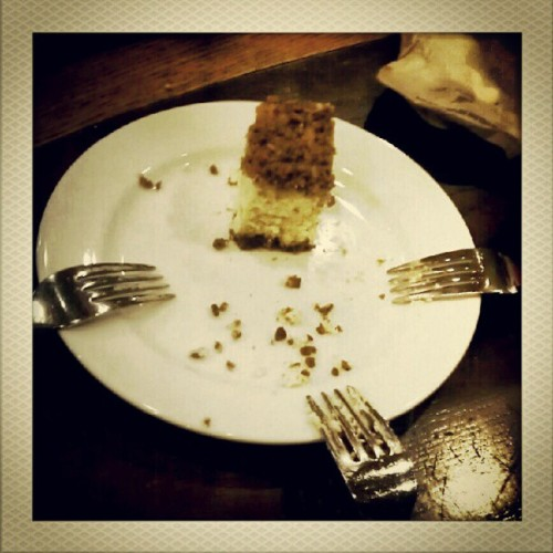 For Sharing. #instagram #cheesecake #food #starbucks #things #droidgraphy #forks #plate #friends  (Taken with Instagram)