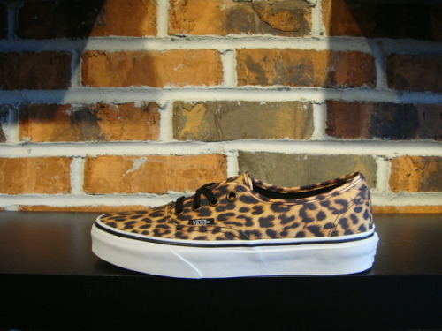 Vans 'Authentic Leopard' Sneaker