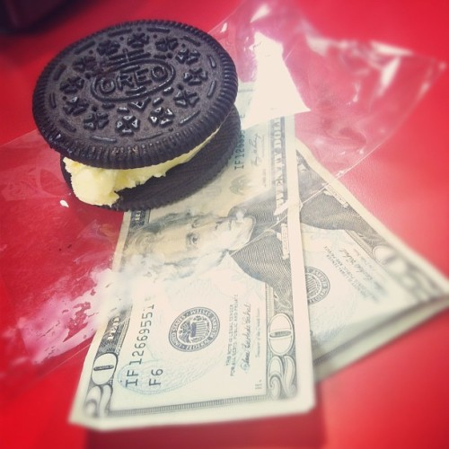 $40 & an oreo ice cream sandwich http://moneyfood.tumblr.com #moneyfood #oreo  (Taken with Instagram at Carl's Jr)
