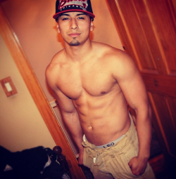 andyqueenteros:  Dam. Reason why i love latinos lol