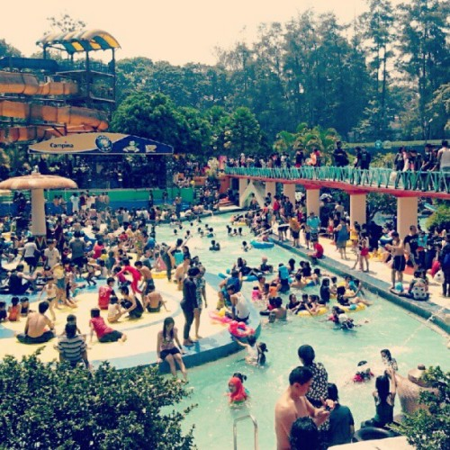 crowded swimie twime! #holiday (Taken with Instagram)