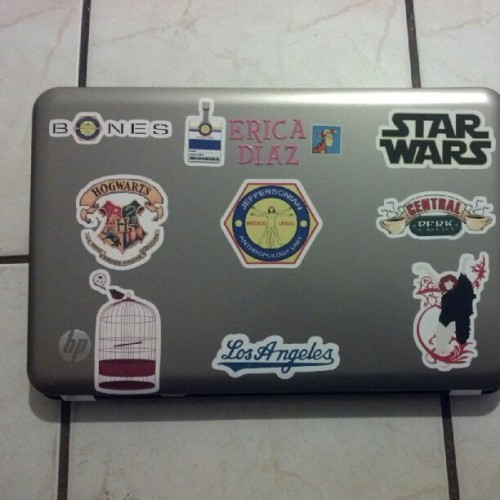 My laptop  »»»»» your laptop #bones #tigger #harrypotter #starwars #birdcage #florenceandthemachine #fatm #friends #centeralperk #losangeles #dodgers #losangelesdodger  (Taken with Instagram)