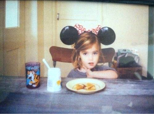 niggaaron:   Baby Emma Watson.  im crying shes SO CUTE