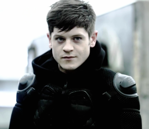 stagandtherose:  This hottie is Iwan Rheon. Take in the perfection. Then cry a little at how much you're going to end up hating him when he plays Ramsay Snow, the Bastard of Bolton, in Season 3.