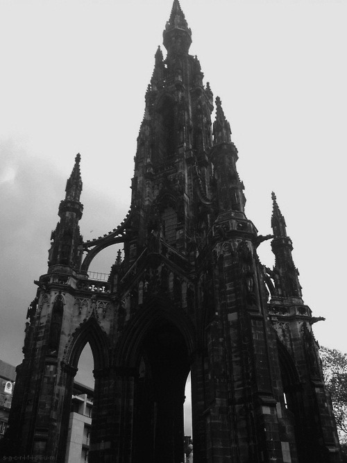diamidinophenylindolee:  Oh hey.  flying buttress.
