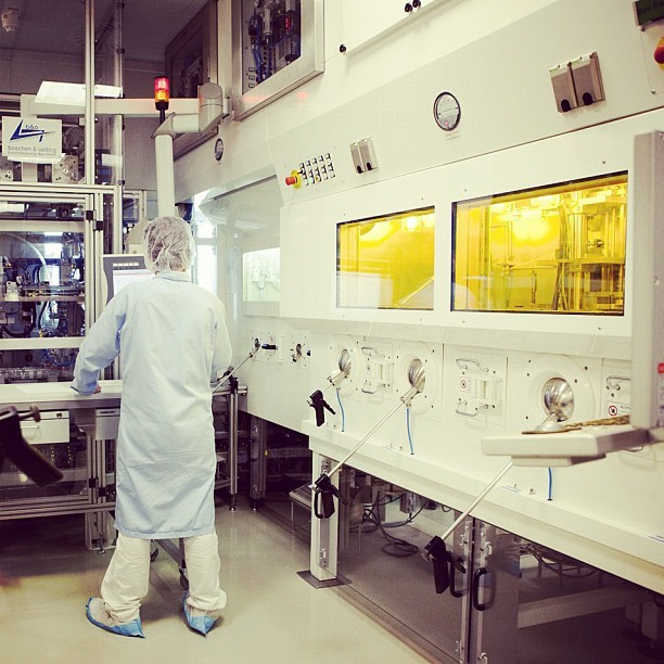 A shot of the diagnostic capsule production area at #GE #Healthcare in Braunschweig, Germany. The team here works on the production of TheraCap capsules – radiopharmaceuticals used to help detect, diagnose and treat thyroid diseases and tumors. Photo by @noahk. #science #health #manufacturing #technology (Taken with Instagram)