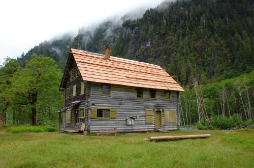 cabinporn:  Enchanted Valley Chalet in Olympic National Park, Washington. From Cheryl Hill:  This building was once used as a backcountry hotel but these days if you want to sleep in the Enchanted Valley you need to bring your own roof: a tent. The chalet is now used as a headquarters for the park rangers.