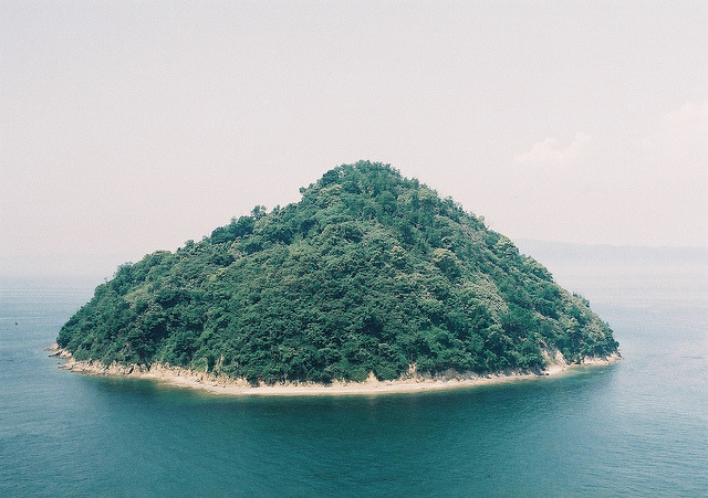 r0mance-is:  The island photographed any number of times by *dapple dapple on Flickr.