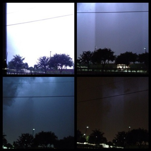 #lightning #thunderstorm #rain #night #dallas #instagram #texas #instamillion #instagramhub #dailypic #photography #iphonography #iphone4s #plano # (Taken with Instagram)