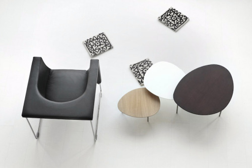 STUA furniture label from San Sebastian was founded by Jesus Gasca. Both Jesus and his son Jon Gasca have created Nube armchair, and Jon also the Eclipse nesting tables.STUA Design Etc