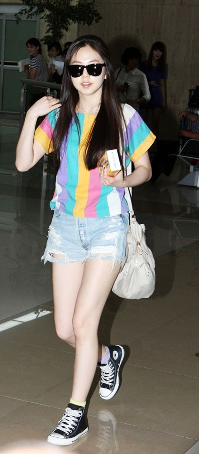 Wonder Girls Fashionable Sunglasses and Comfortable Look at Kimpo Airport after 'JYP Nation' in Japan  (via KpopStarz)