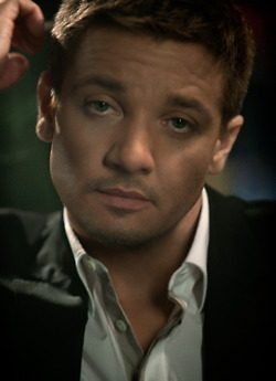 93/100 Pictures from Jeremy Renner