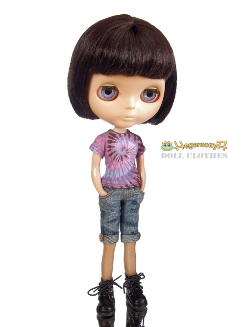 Blythe doll in Tie dye T shirt and worn washed blue denim jeans short pants