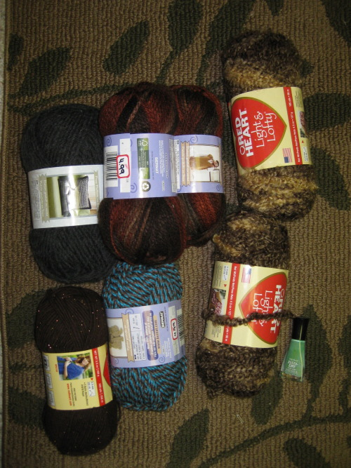 YARN HAUL!  Our local Zellers is shutting down so everything is on sale, INCLUDING YARN! OuO  I'm gonna go back again right before it closes down when everything is dirt cheap. Hopefully the old ladies don't beat me down.