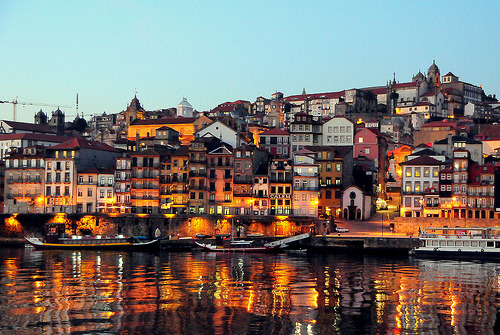 cornersoftheworld:  Porto, Spain By mandalaybus