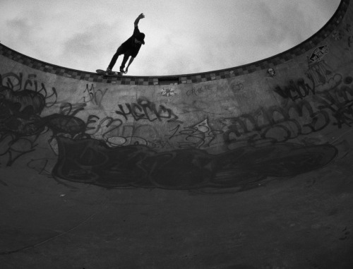 aliyaqubian:  Sheldon Barr BS Smith Tailgrab Vancouver, B.C. 2012. Folk Skateboards   Like. A. Boss.
