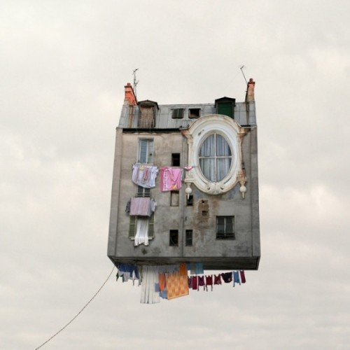 http://trendland.com/annoyed-of-your-neighbor-get-a-flying-house/