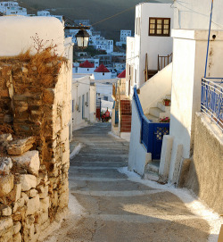 bluepueblo:  Narrow Street, Dodecanese Islands, Greece photo via manoelwilliam
