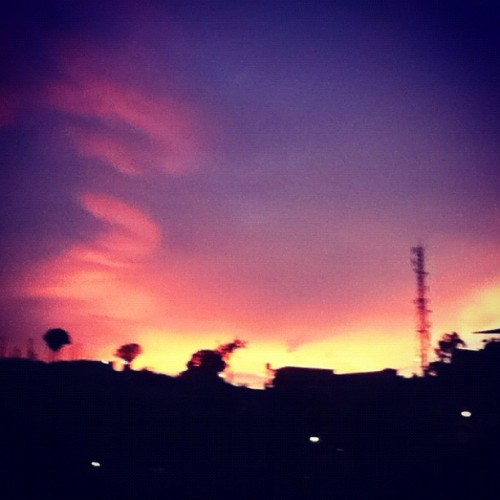 The sunset 😍 … #adrisphotos #sunset #sky  (Taken with Instagram)