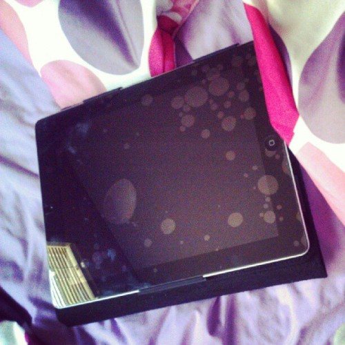 Got the brand new iPad for my bday :) #Happy #Birthday  #to #me #brand #new #iPad #yay #awesome #teen  (Taken with Instagram)