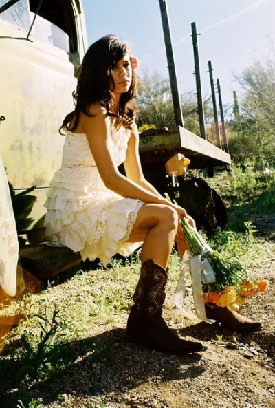 blondeoutlaw:  Country weddings »>