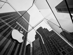 Apple on Flickr. Apple Store on Fifth Avenue, New York City.Flickr | 500px