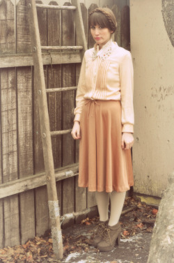 modcloth:  A countrified version of librarian chic (via ♥ flying a kite ♫)