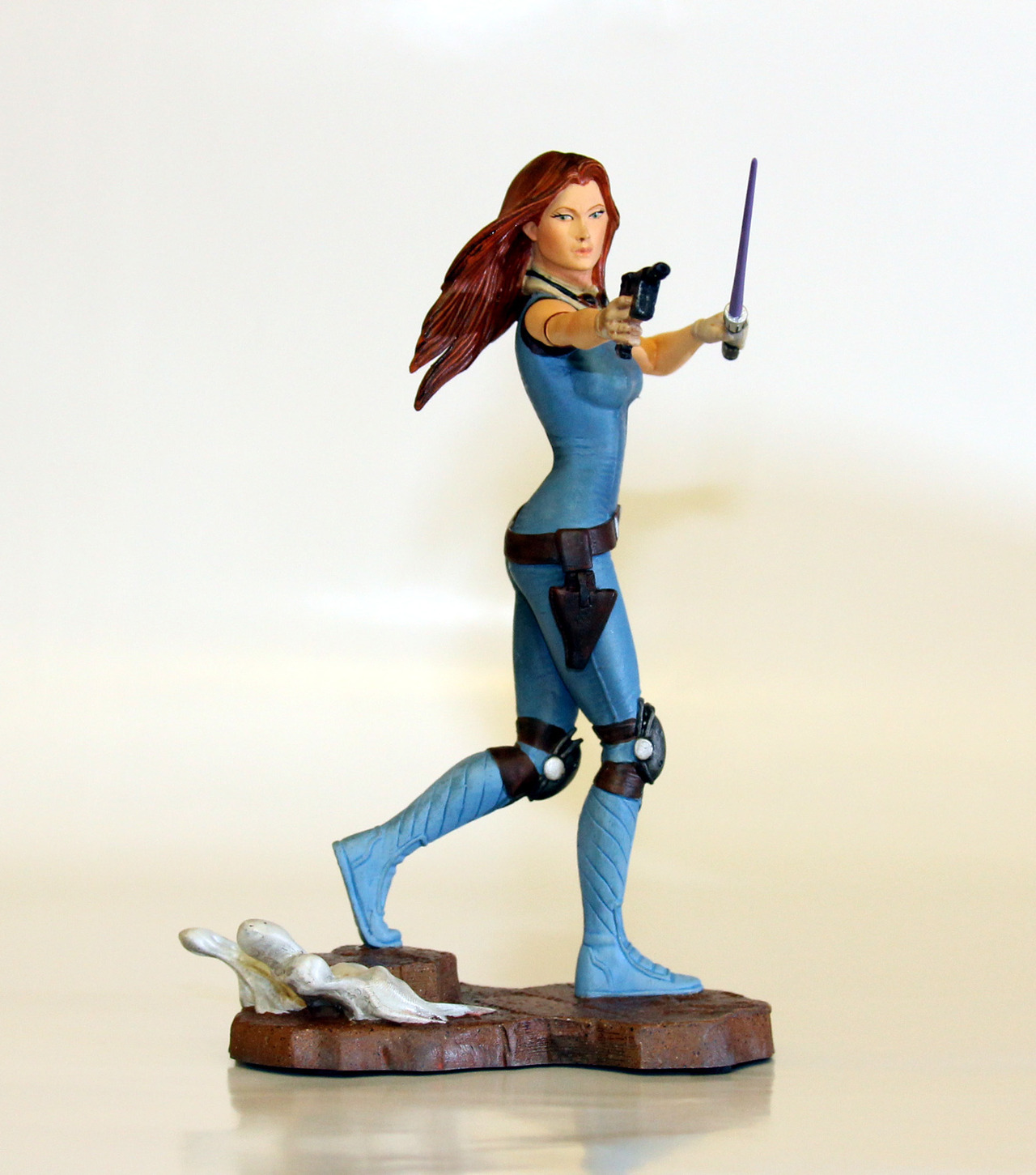 swnz:  Exclusive Celebration VI Mara Jade statue.  Ugh this so needs to be in my Star Wars Maquette collection. Like yesterday.
