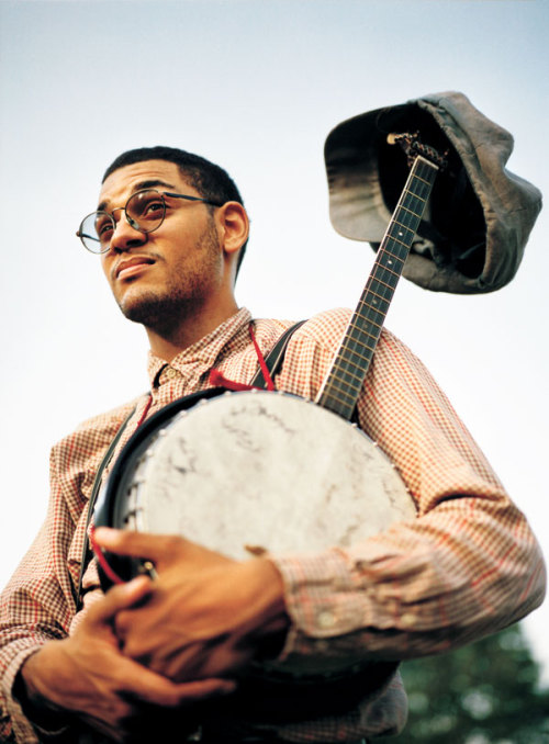 "intracoastal-wanderings:  ""The banjo tells its complicated interracial tale"" Dom Flemons of the Carolina Chocolate Drops"