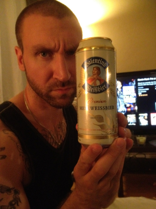 #898 Valentins Weißbier Hefeweissbier (Germany)  This is a fairly decent Germanian wheat beer, son. It's 5.3%, it's kinda fruity, spicy and refreshing as hell. Session ting.