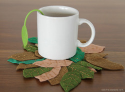 craftjunkie:  Leaf Coaster {How to} Found at: assimouassado