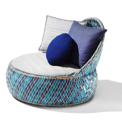 Recycled Material Garden Armchair by Dedon Usually I don't write a lot, but since I got my first job at Maison Bertet, a manufacturer in L.A with stunning modern outdoor furniture, I got hired to make the window display look amazing. This is one of the ideas and also future inspiration for the next designs.