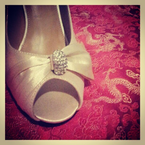 #Gold #diamante #peeptoe #heels to match #golden #dragons on #wedding #cheongsam. #satin #bows #silk #brocade #android #samsunggalaxysii #petalingjaya #malaysia  (Taken with Instagram)