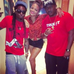 Had a great listening session with the family.. #Boss #Ymcmb @liltunechi @mackmaine  #lilwayne #christinamilian #mackmaine #music #repost #Miami I love my team…  #LetUKnowItsReal  wake up! #weWerrrk   (Taken with Instagram)