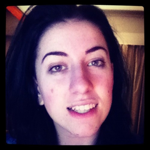 Hi peeps #awkward #eyebrows #ijustloveeyebrows #teeth #myteetharegreat #perfectteeth #bdilz (Taken with Instagram)