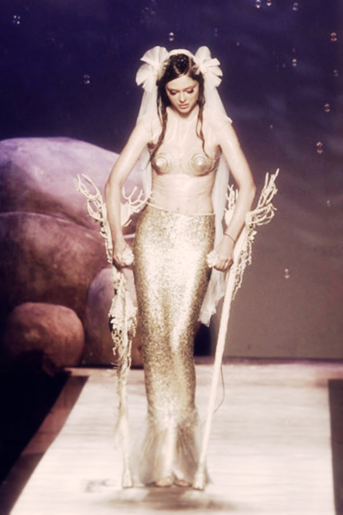 "f-l-e-u-r-d-e-l-y-s:  ''mermaid"" coco rocha for jean-paul gaultier haute couture."