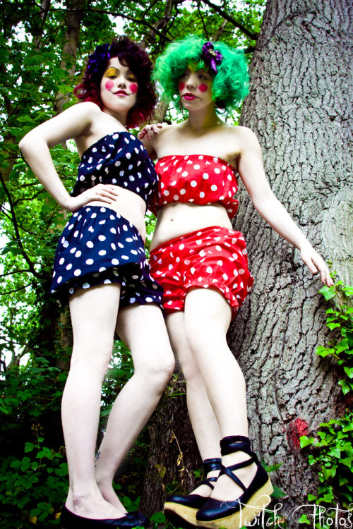 twitch-photos:  Photographer - Twitch Photos Models - Kelly and Kay MUA - Kalissa Bentley Designer - Susie's Wardrobe Hair Clips - Wonderland Designs